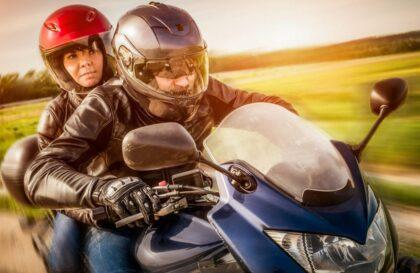 Conseils assurance moto : les procédures passager moto