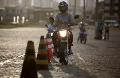 Conseils assurance cyclo : apprendre à conduire un 50 cc